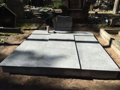 1 - отливане на надгробни плочи по размер в Благоевград и Симитли - Денонощна траурна агенция Зогри, Благоевград и Симитли