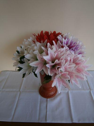17 - естествени и изкуствени венци и цветя - Денонощна траурна агенция Зогри, Благоевград и Симитли