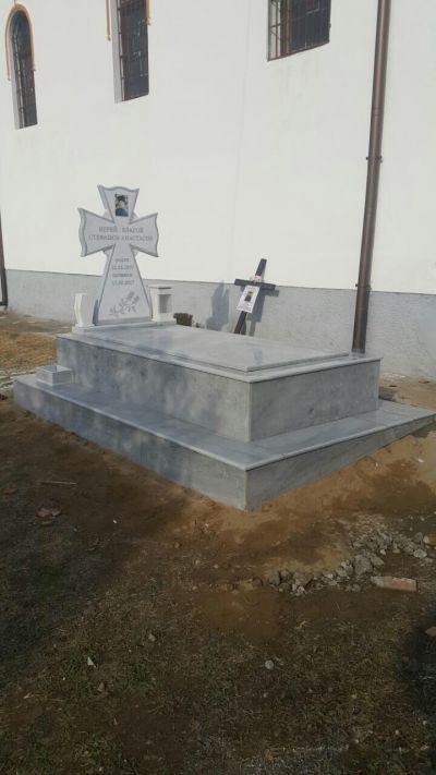24 - надгробни паметници по поръчка за Благоевград и Симитли - Денонощна траурна агенция Зогри, Благоевград и Симитли